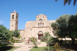 Monastère Saint-Barnabé, Chypre occupé © George M. Groutas