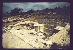 Necropole à Amathous (II) © Roger Bagnall