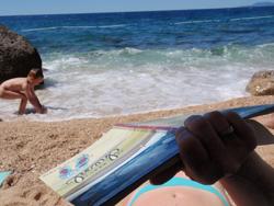 Beach&book © dani_tic