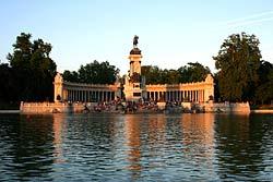 Madrid - Parc du Retiro - Monument Alphonse XII