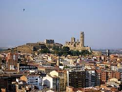 Vue générale de Lérida. Au fond, la cathédrale de la Seu Vella et le Château de la Suda