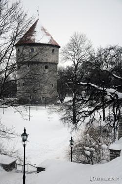 La tour prise en Estonie © Ari Helminen