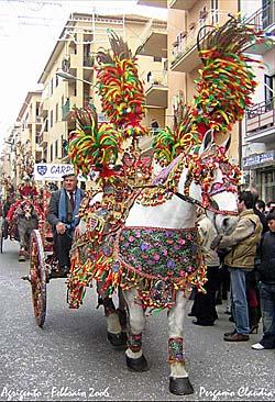 Agrigente - Sagra del Mandorlo in Fioro (fête de l'amandier en fleur) © cL4uDj