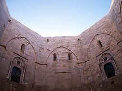 Bari - Castel del Monte © tuttotorvo