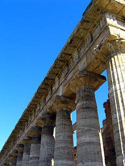 Paestum, Campanie - Temple grec © phault