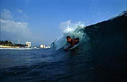 Acapulco, surf - Mexique © Mauricio Ramos
