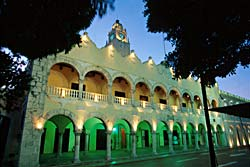 Palacio De Gobierno, Merida - Mexique © Bruce Herman