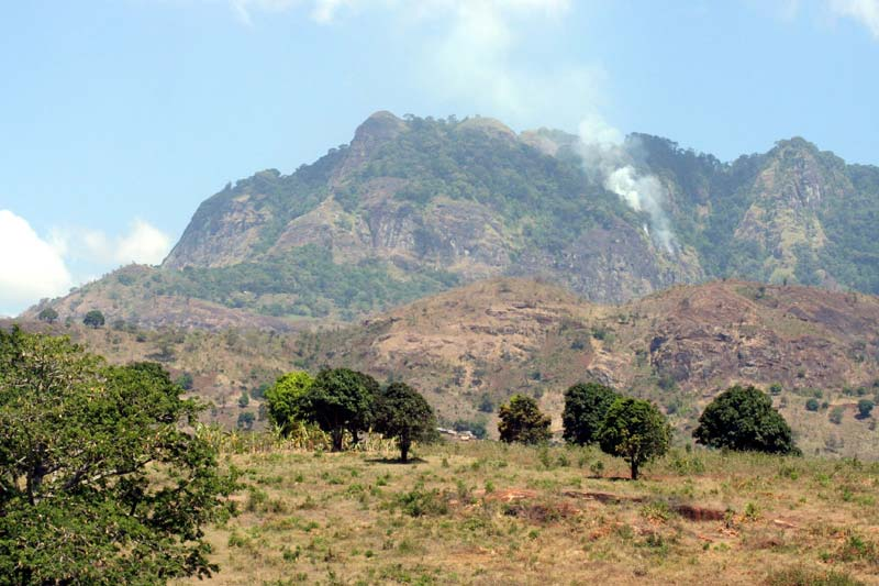 Fumée de la montagne Usambara © Blue moon in her eyes