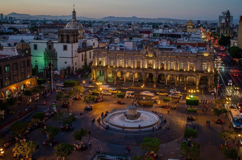 Plaza Guadalajara y Palacio Municipal