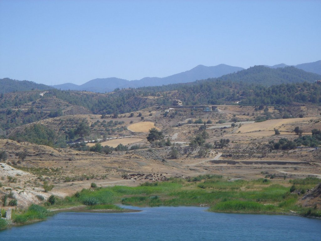 Lake near Tamassos Chypre