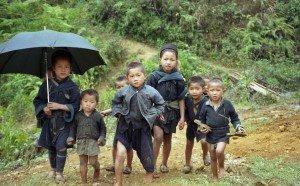 Enfants Hmong à  Cat-Cat, SaPa - Vietnam