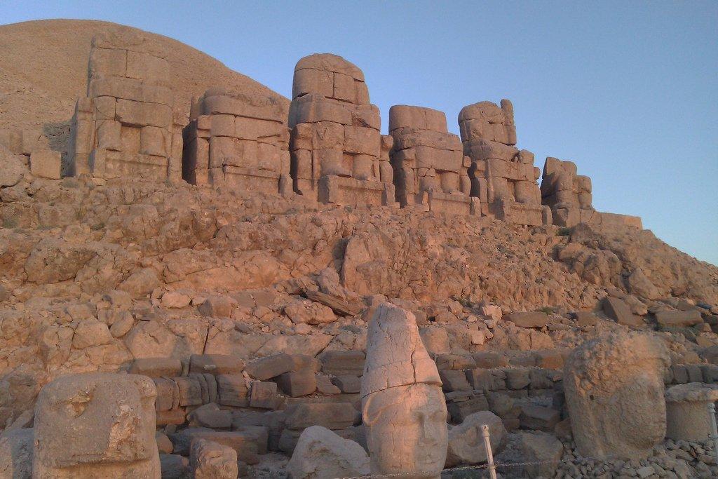 Le Nemrut Dağı et ses vestiges spectaculaires – Turquie