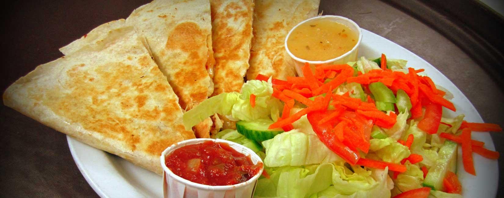 Où trouver des repas qui valent le détour durant un long voyage en voiture au Canada ?