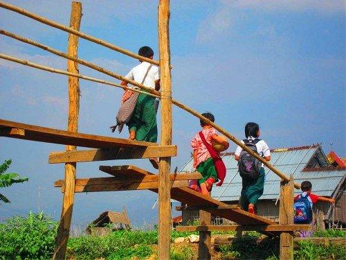 Enfants - Lac Inle, Birmanie