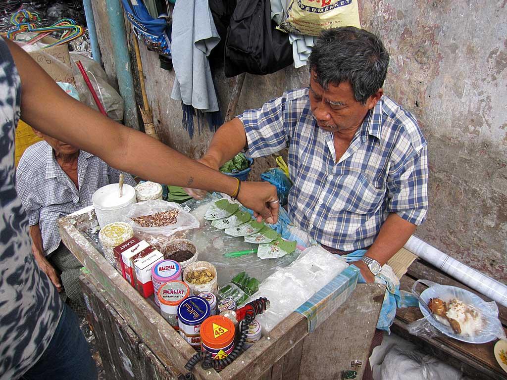 Vendeur de paan - Inde