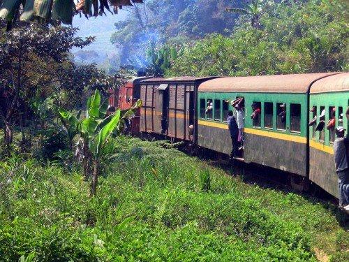 Train reliant Fianarantsoa et Manakara, Madagascar